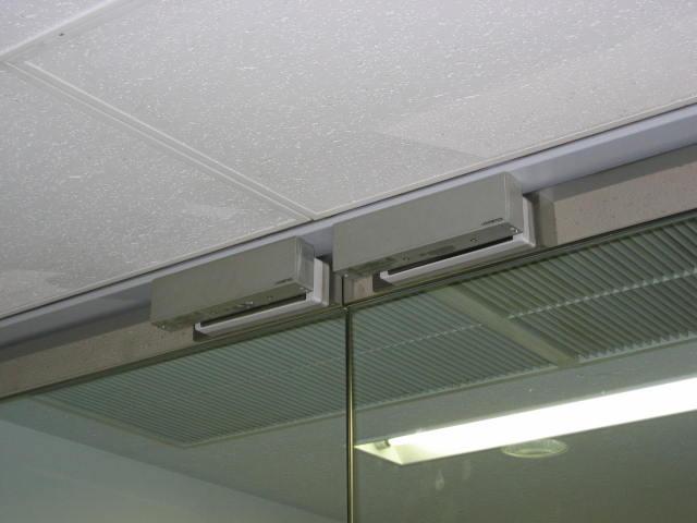 GEM-800 x 2台 銀座Rビル マグネット錠